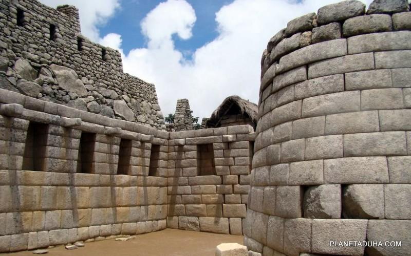 Кладка стен храма в Мачу-Пикчу