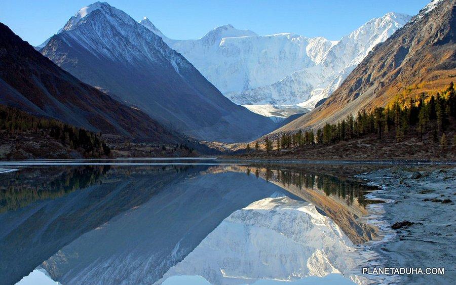Ак-Кемское озеро - Вид на гору Белуха