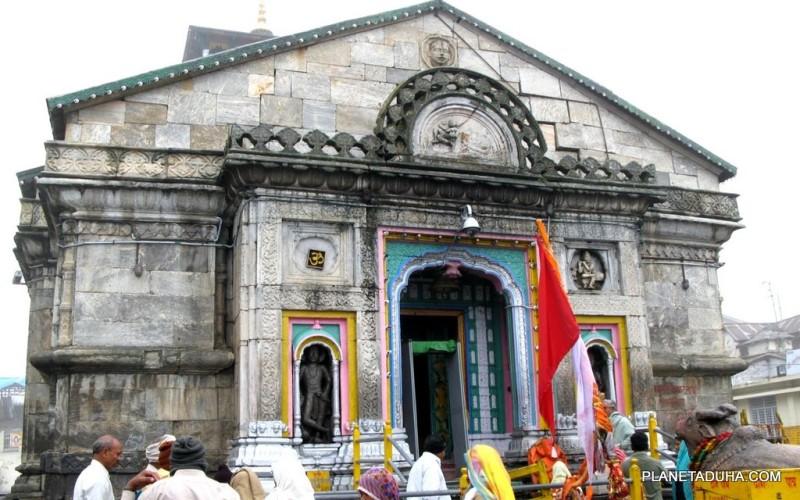 Храм Кедарнатх в Гималаях