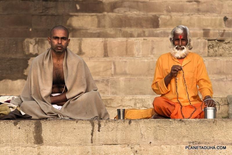Медитация на берегу Ганга в Варанаси