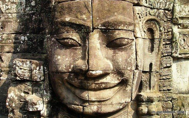 Они смотрят на нас со стен храмов сквозь тысячелетия и... улыбаются)))
