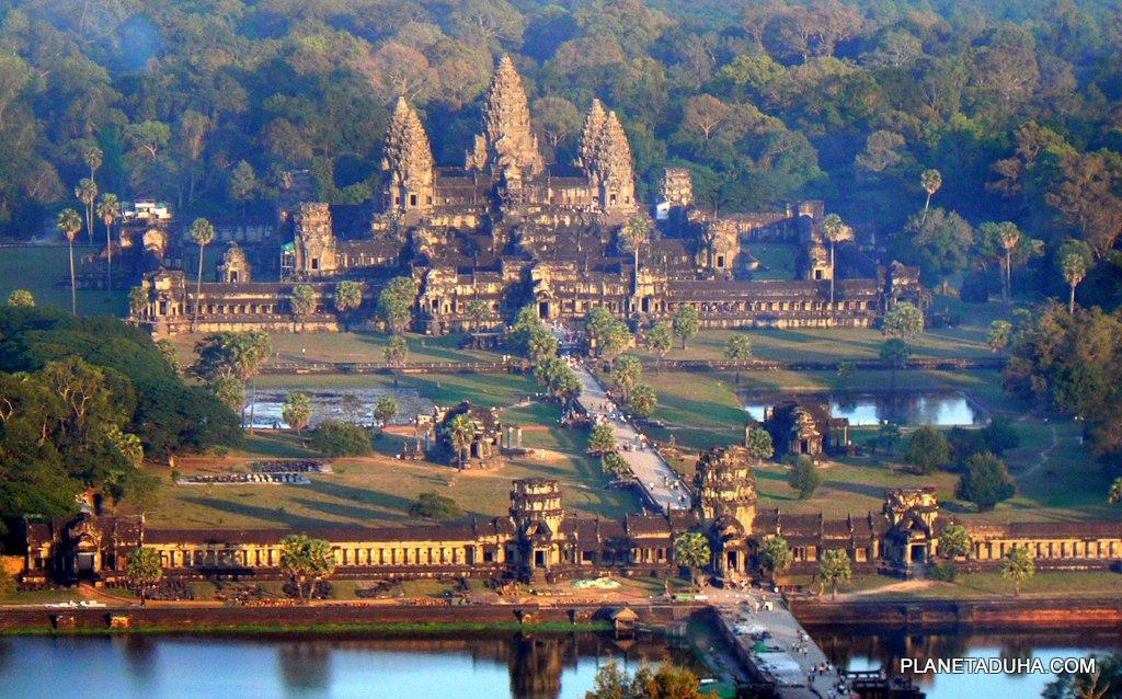 Один из видов на храм Ангкор-Ват