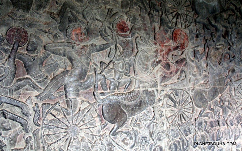 Древние воины на барельефах Ангкор-Вата
