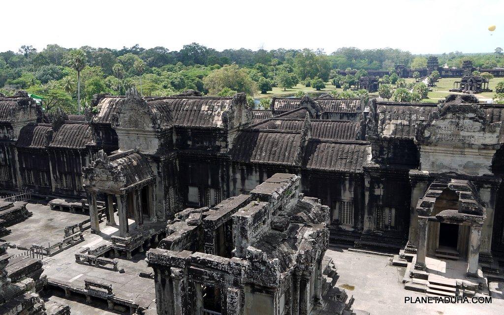 Вид со второго этажа храма
